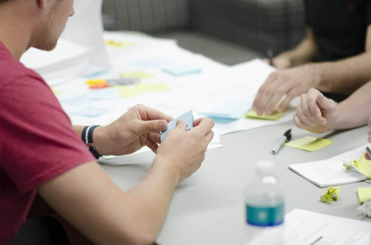 Le Story Mapping ou comment écrire des fonctionnalités sur des post-its pour mieux les prioriser